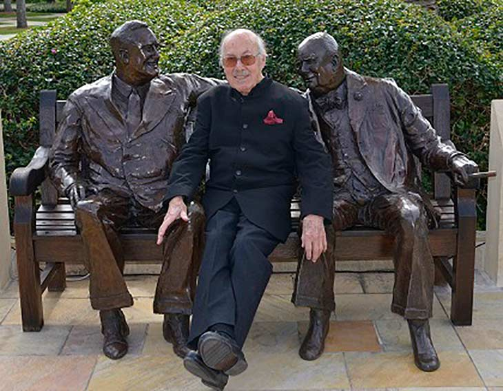 Image  of Lawrence Holofcener with his 'Allies' Sculpture